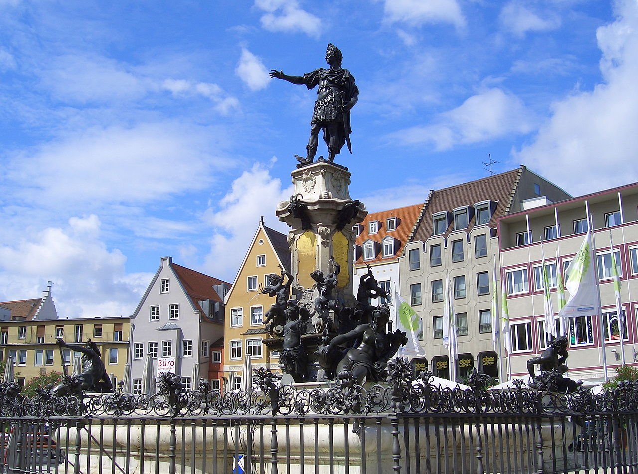 Аугсбург – город мощеных мостовых, церквей и высоких шпилей