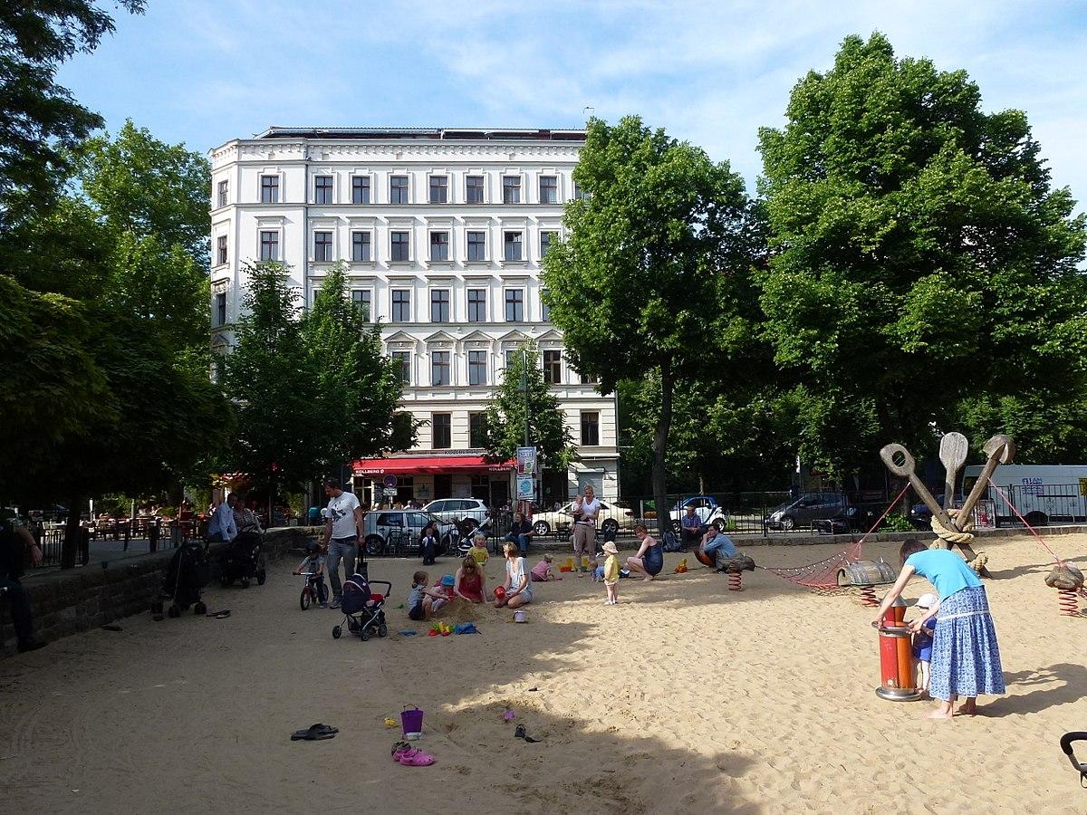 Детская площадка на Колвитцплац