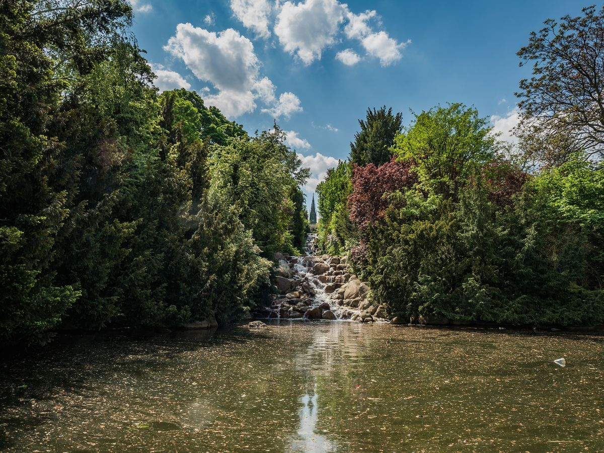Водопад в парке Виктория
