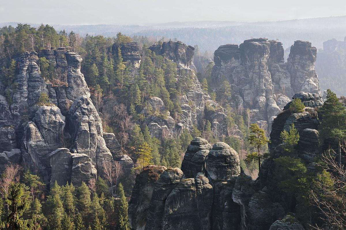 Вид с горы Вельштайн в Саксонской Швейцарии