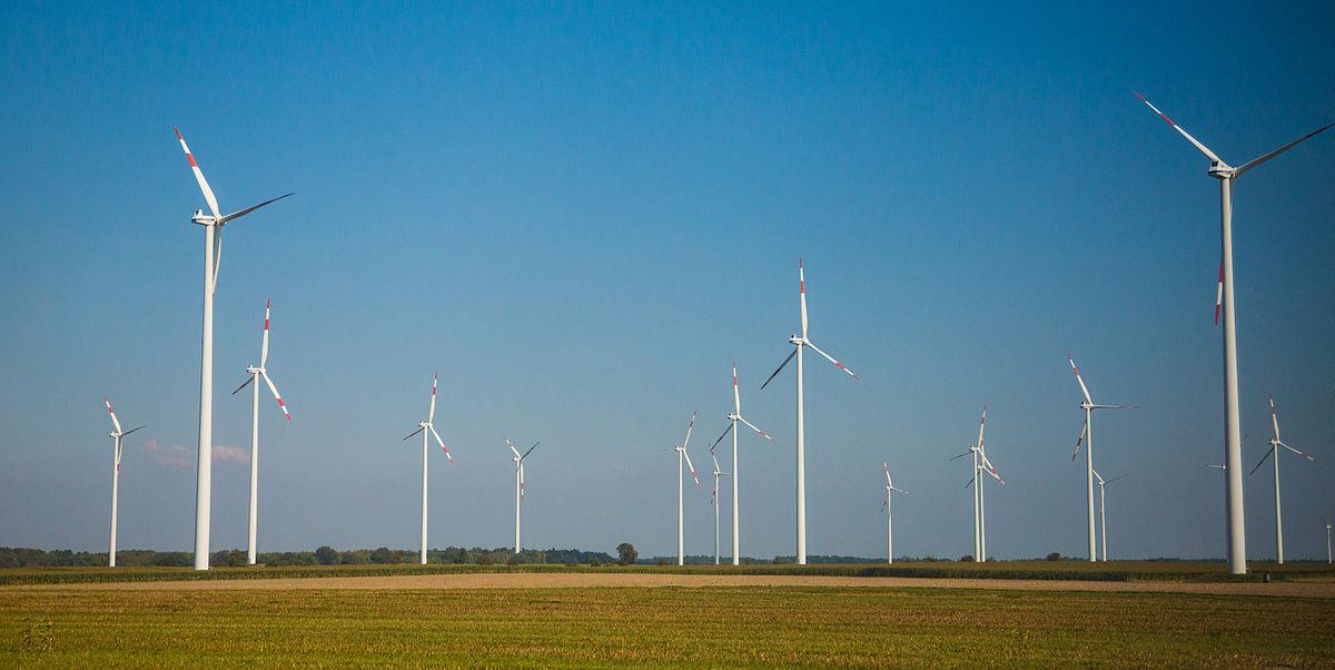 Ветряные генераторы в сельской Германии